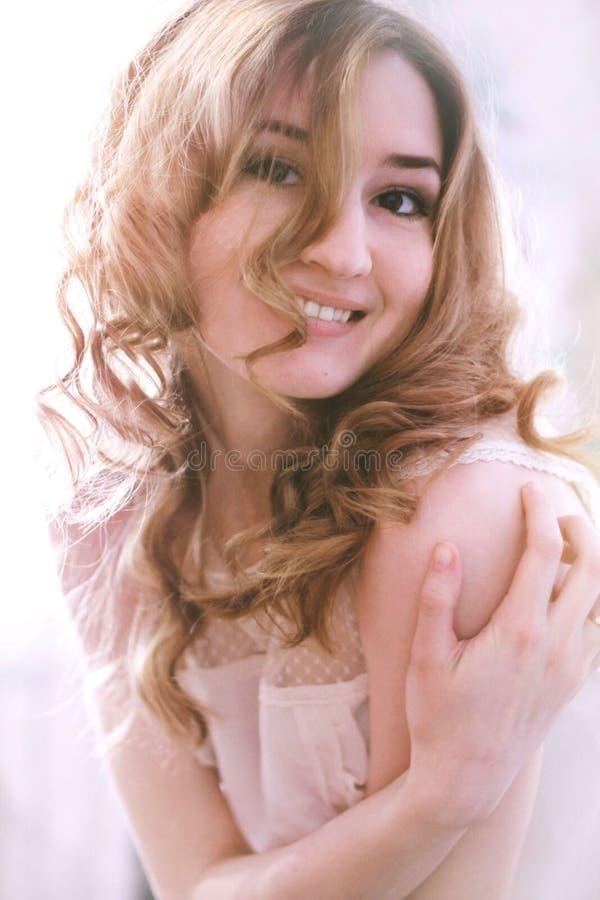 Belle jeune fille photographie stock libre de droits