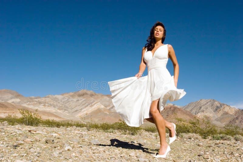 Belle jeune fille de mode photographie stock libre de droits