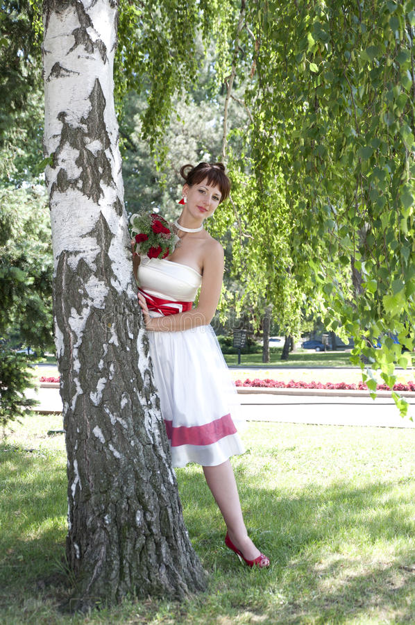 Belle jeune mariée photos stock