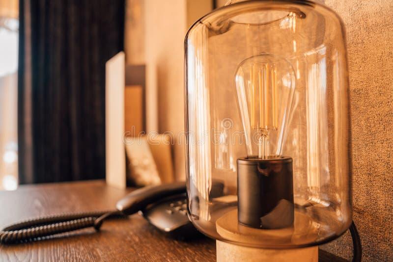 Belle lampade d'annata come decorazione nell'interno della stanza immagini stock libere da diritti