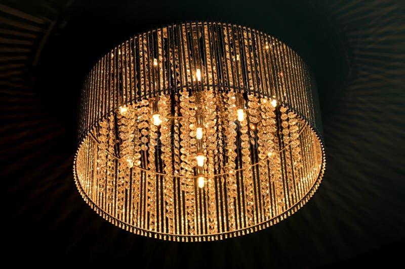 Belle lampe pendant la nuit image libre de droits