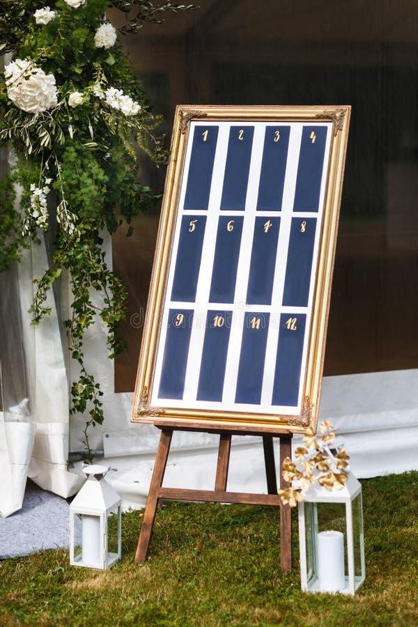 Belle liste élégante élégante de table d'invité de mariage photographie stock libre de droits