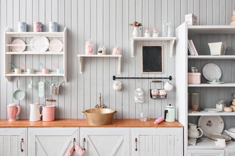 Belle maison, intérieur, vue de la cuisine image libre de droits