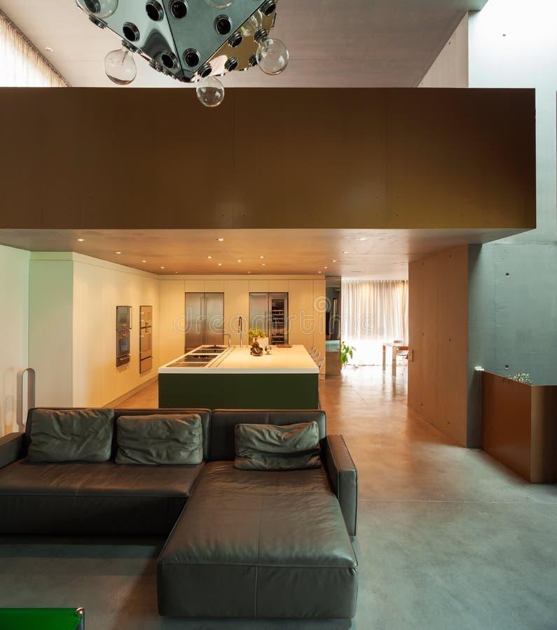 belle maison moderne en ciment, intérieurs photographie stock
