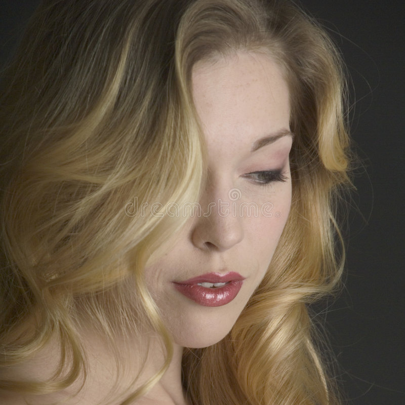 Belle mariée blonde photo stock