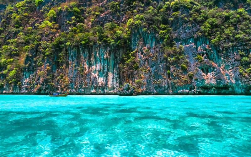 Belle mer clair comme de l'eau de roche images libres de droits