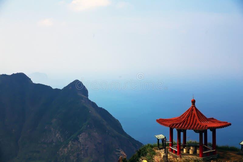 Belle montagne l'explorant de théière à Taïwan images stock