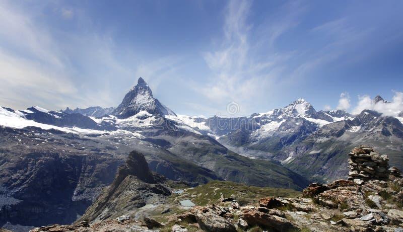 Belle montagne Matterhorn, Alpes suisses photographie stock libre de droits