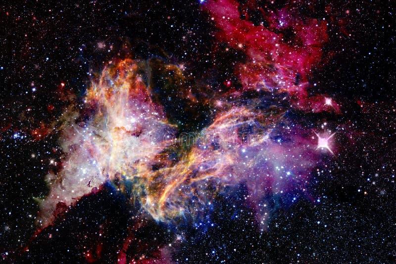Belle n?buleuse impressionnante quelque part dans l'espace extra-atmosph?rique photographie stock