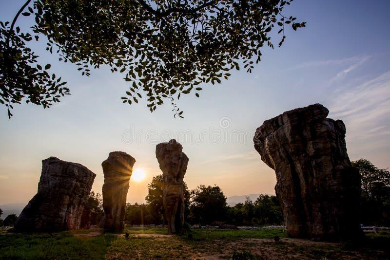 belle nature pendant le temps de lever de soleil chez Stonehenge photo stock