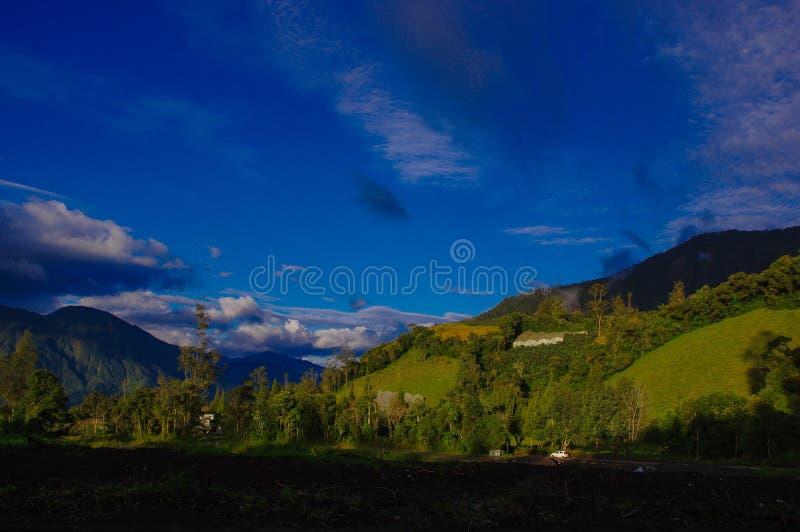 Belle nature près d'OS de Agua Santa Baths de Ba de l'eau sainte, Equateur photos libres de droits