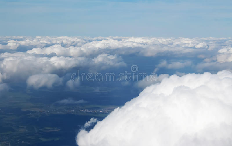 Belle nubi nel cielo Vista dall'aereo fotografia stock