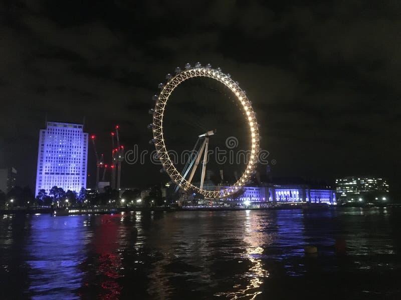 Belle nuit à Londres photos libres de droits