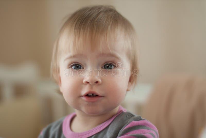 Belle petite chéri. images libres de droits