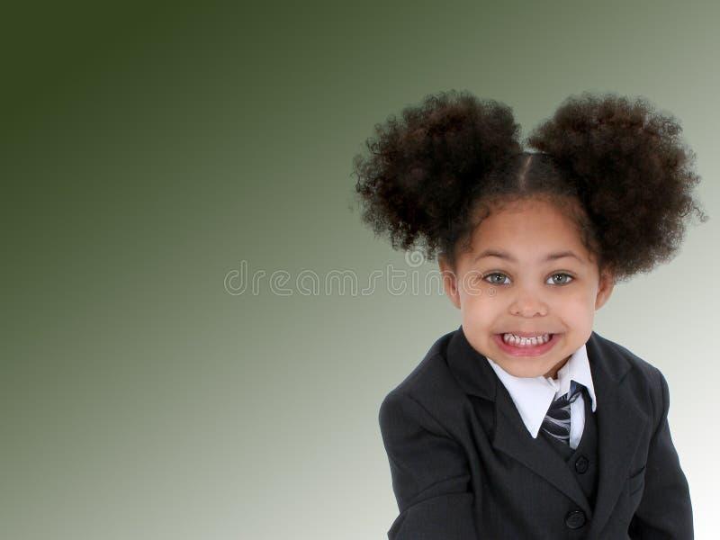Belle petite femme d'affaires sur le fond vert photos libres de droits