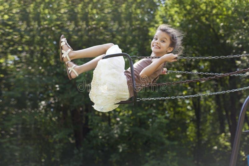 Belle petite fille images libres de droits