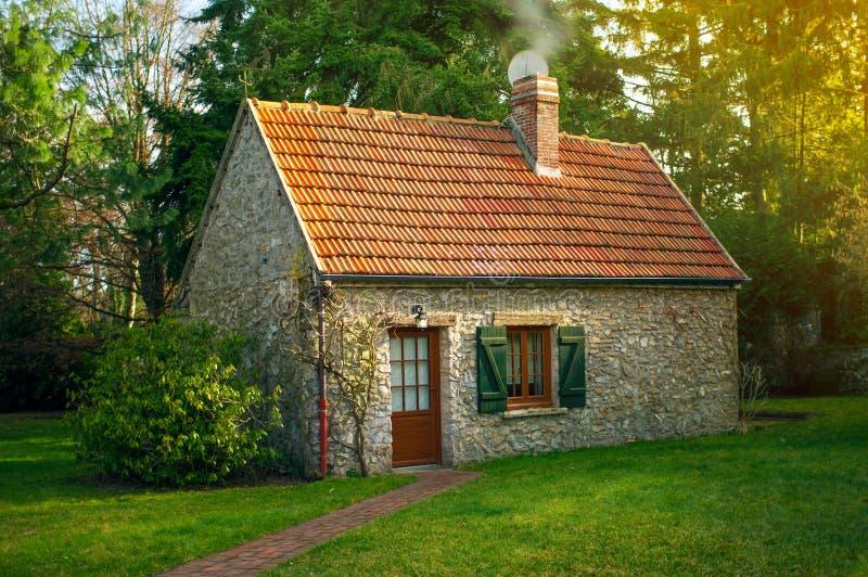 belle petite maison image stock image du france froid 52288285. Black Bedroom Furniture Sets. Home Design Ideas