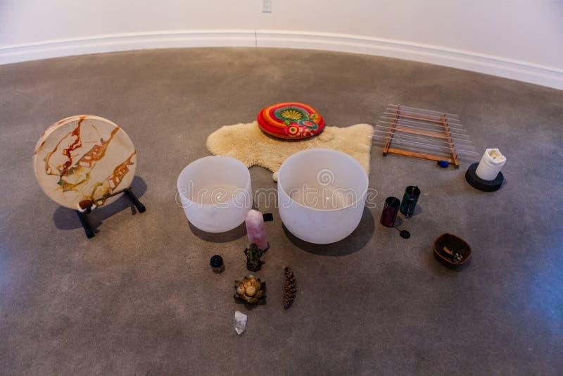 Belle photo d'objets et instruments de musique sacrés pour la musique de guérison images libres de droits