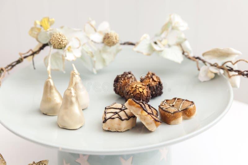 Belle piccole torte nunziali immagine stock