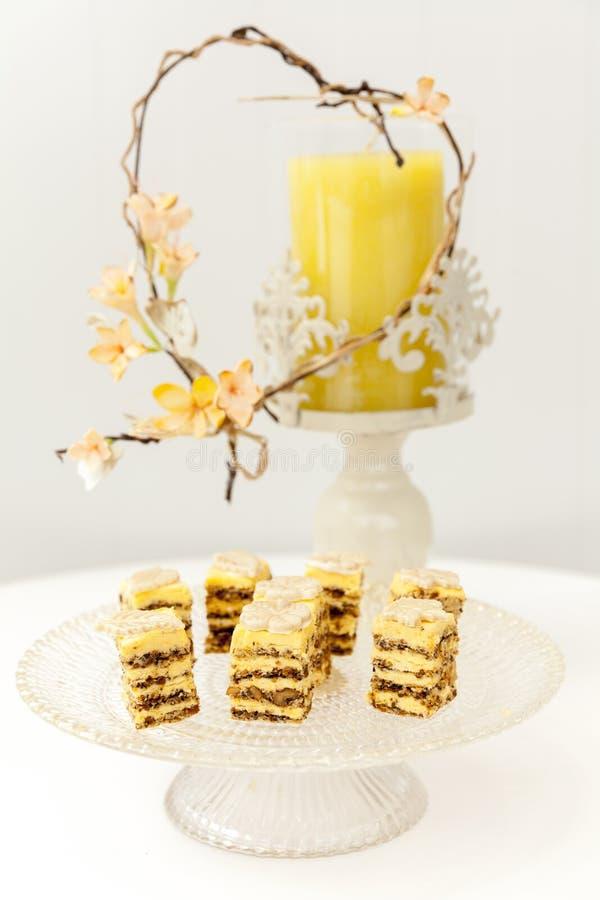 Belle piccole torte nunziali fotografia stock libera da diritti