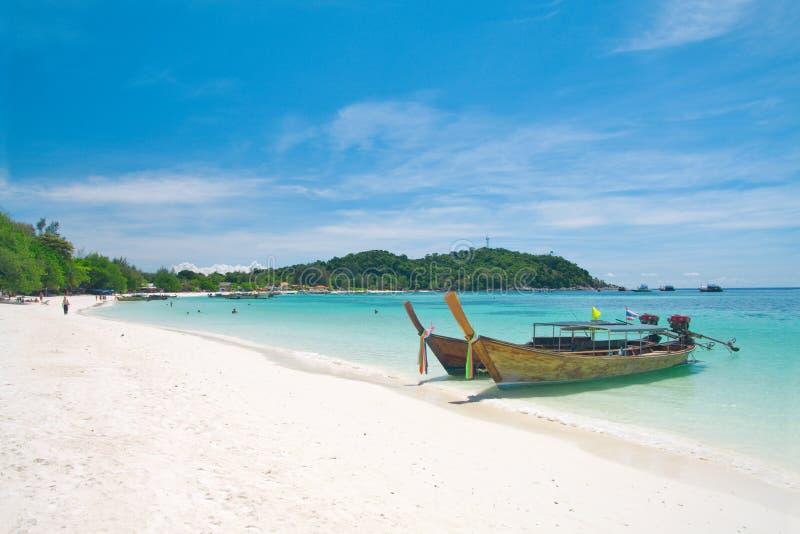 Belle plage sur le KOH Lipe, mer d'Andaman, Thaïlande image libre de droits