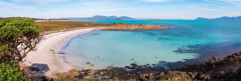 Belle plage sur Maria Island, Tasmanie, Australie image libre de droits