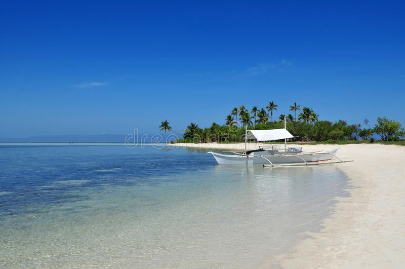 Belle plage tropicale d'origine d'île. photographie stock