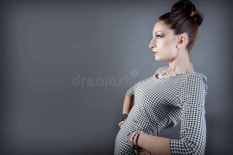 Belle pose de modèle de mode photographie stock