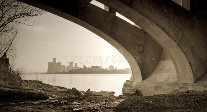 belle przerzuca most Detroit wyspy Michigan linia horyzontu widok obraz royalty free