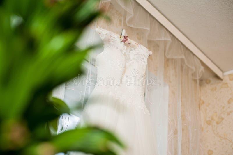 Belle robe de mariage photographie stock libre de droits