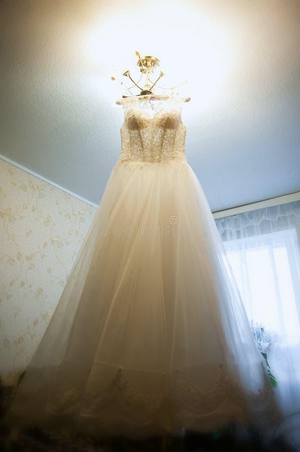 Belle robe de mariage images stock