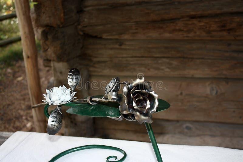 Belle rose faite par le forgeron letton photographie stock libre de droits