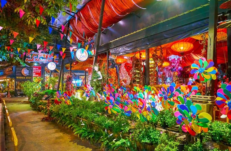 Belle rue égalisante dans la vieille ville, Chiang Mai, Thaïlande photos libres de droits