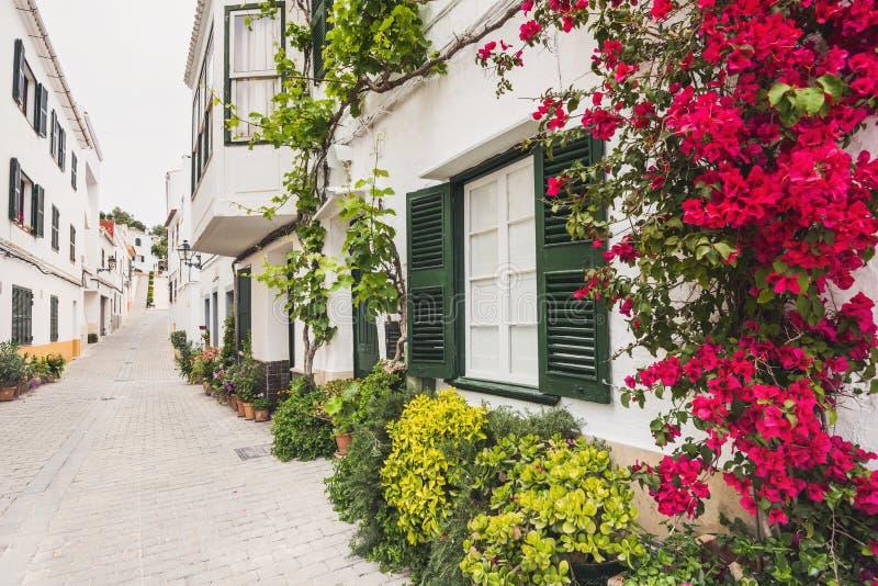 Belle rue, île de Menorca, Espagne image libre de droits