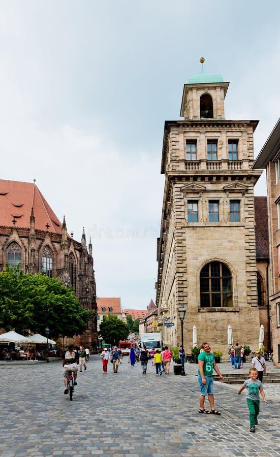 Belle rue de Nuremberg dans le jour d'été photos libres de droits