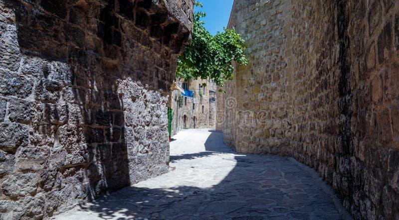Belle rue de vieille ville, Budva, Monténégro images libres de droits