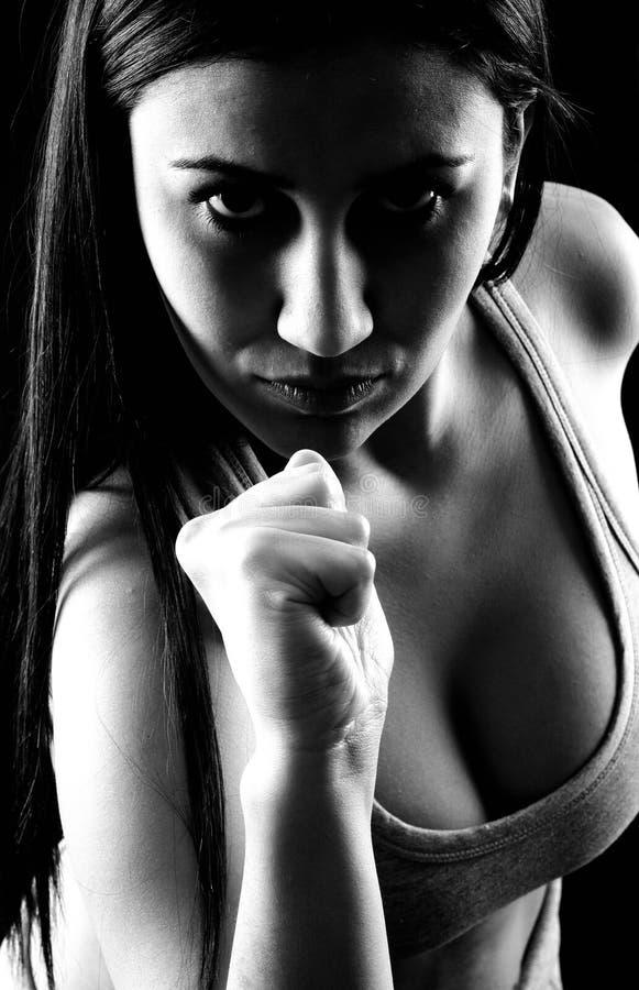 Belle séance d'entraînement de poids de femme en gymnastique photos libres de droits