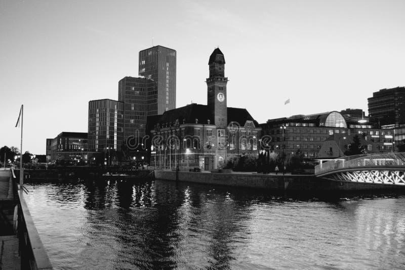 Belle scène de nuit à Malmö, Suède photos libres de droits