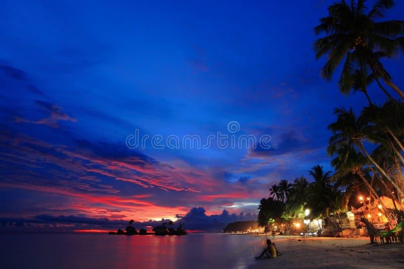 Belle scène de nuit de plage photos libres de droits