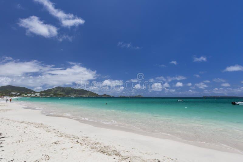 Belle spiagge caraibiche da San Martino, Sint Maarten Cari fotografie stock