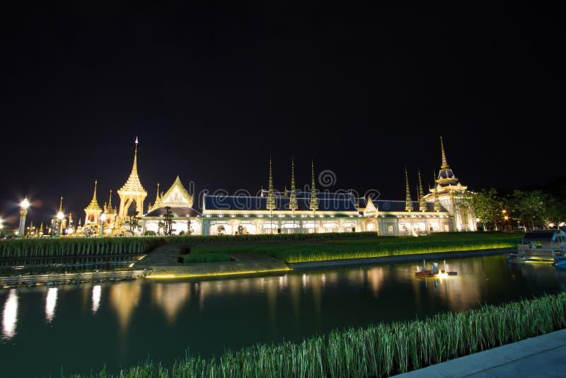 Belle strutture supplementari intorno al crematorio reale per la cremazione reale di re Bhumibol Adulyadej, Sanam L della Sua Mae fotografia stock libera da diritti
