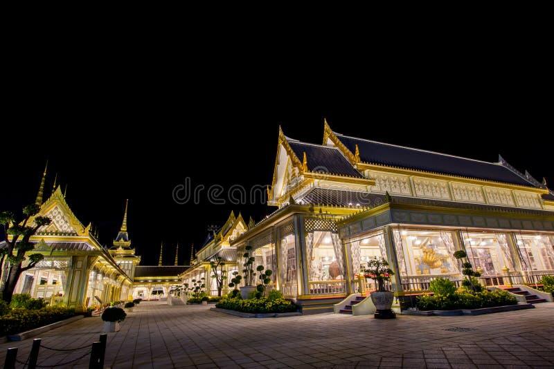 Belle strutture supplementari intorno al crematorio reale per la cremazione reale di re Bhumibol Adulyadej, Sanam L della Sua Mae immagini stock