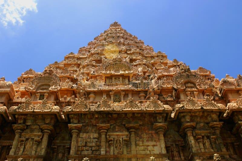Belle tour principale dénommée dravidian avec des sculptures dans le temple de Brihadisvara dans Gangaikonda Cholapuram, Inde images libres de droits