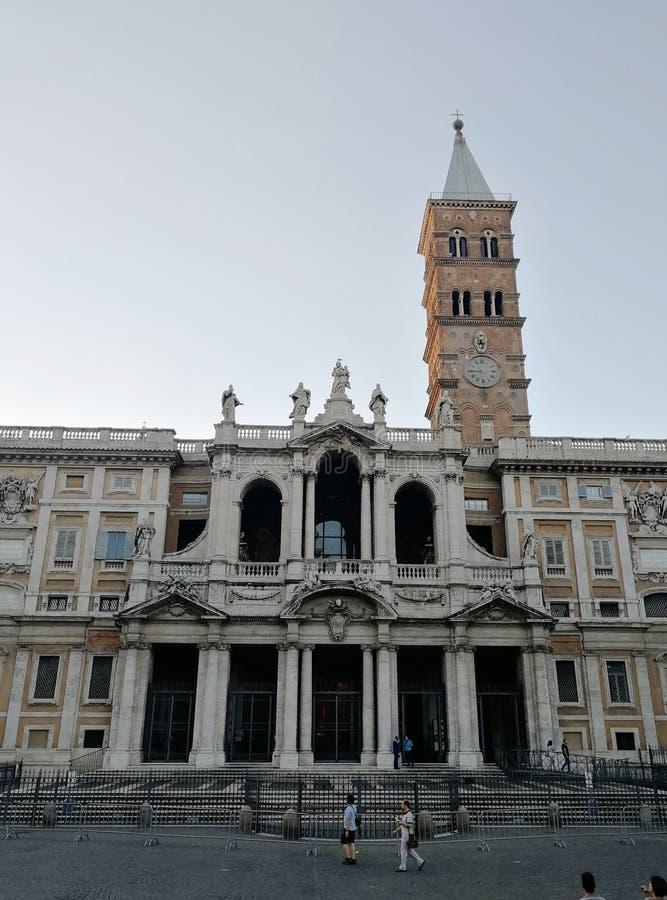 Belle vecchie finestre a Roma (Italia) immagine stock libera da diritti
