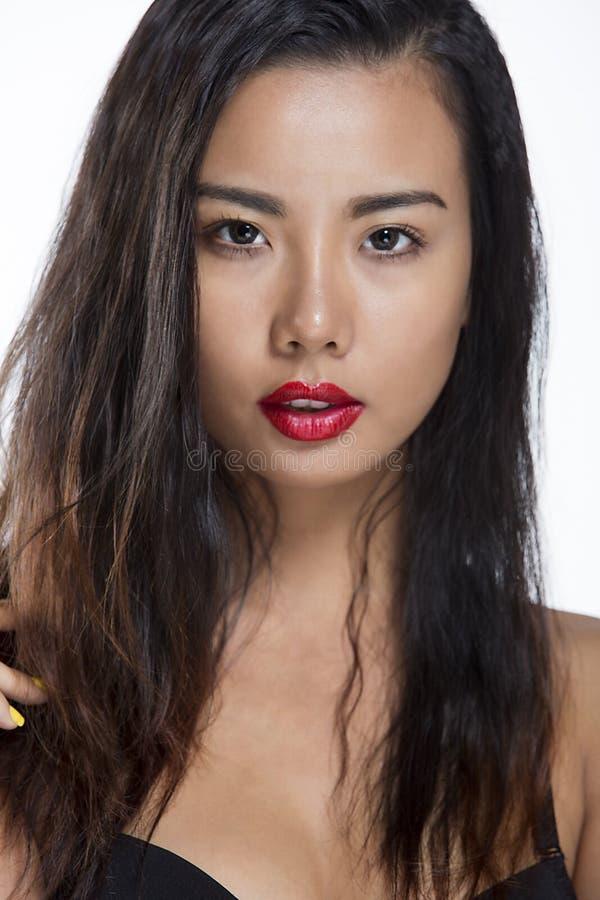 Belle verticale asiatique de fille image libre de droits