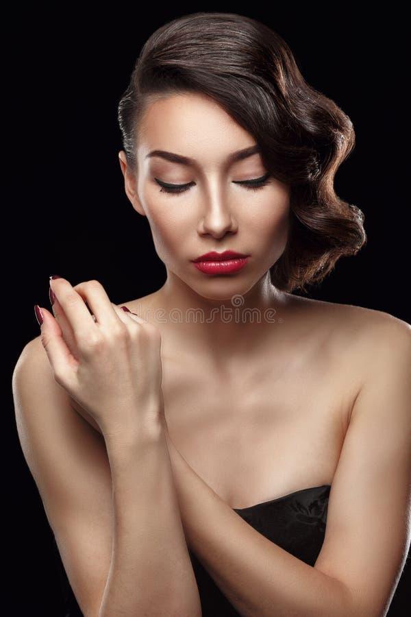 Belle verticale de femmes photographie stock libre de droits