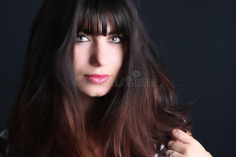 belle verticale de plan rapproché de brunette photographie stock