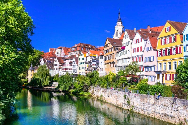 Belle ville colorée florale Tübinga en Allemagne Baden-Wurtte images stock