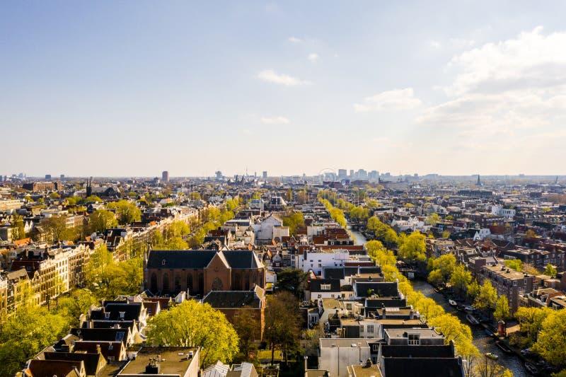 Belle vue aérienne d'Amsterdam d'en haut photographie stock libre de droits