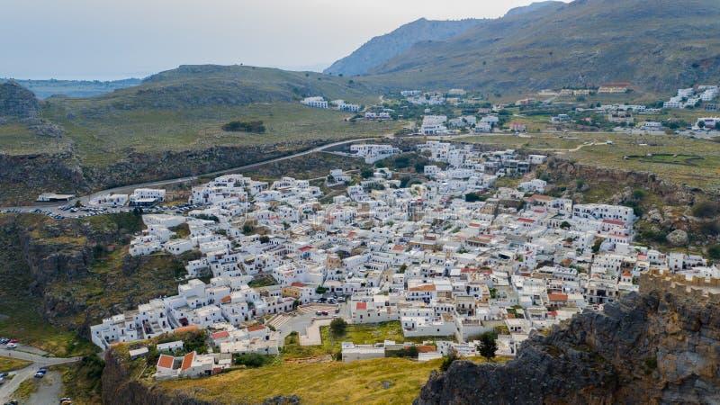 Belle vue aérienne de la ville Lindos images libres de droits